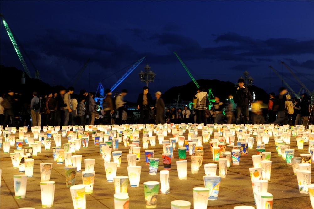 3万の灯りが町中を彩る 尾道灯りまつり