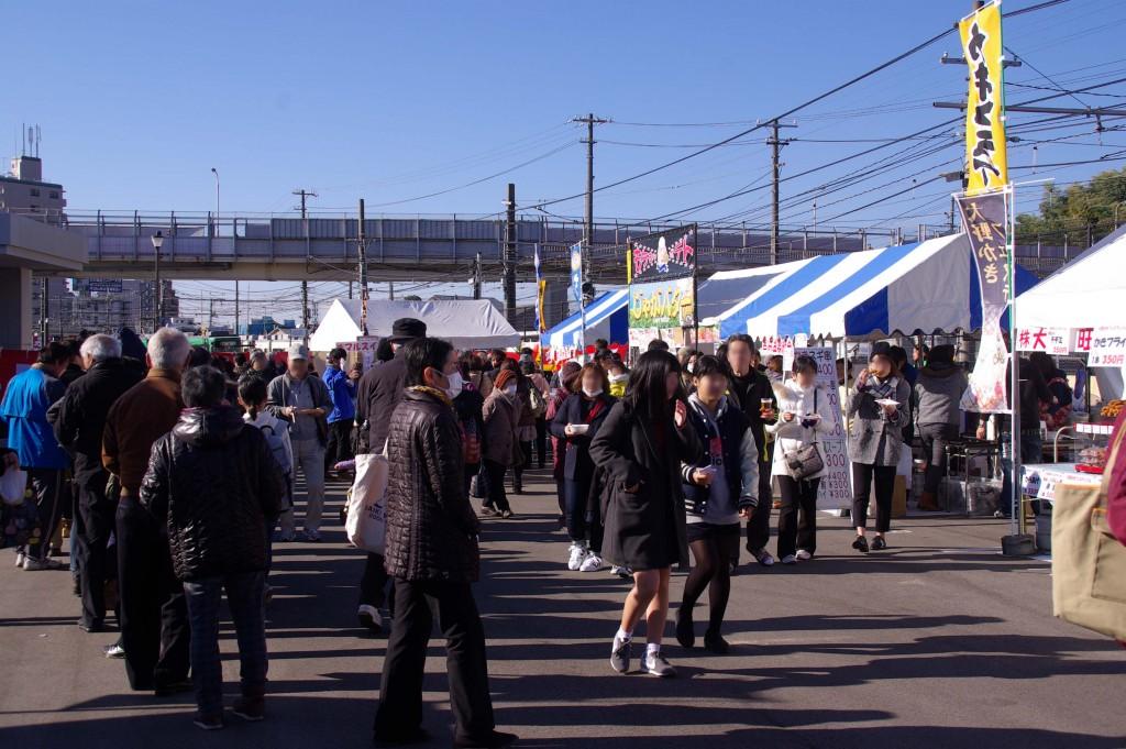 宮島口で大野かきフェスティバルが開催されました